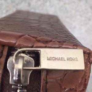 Michael Kors faux alligator🐊 style Glasses Case